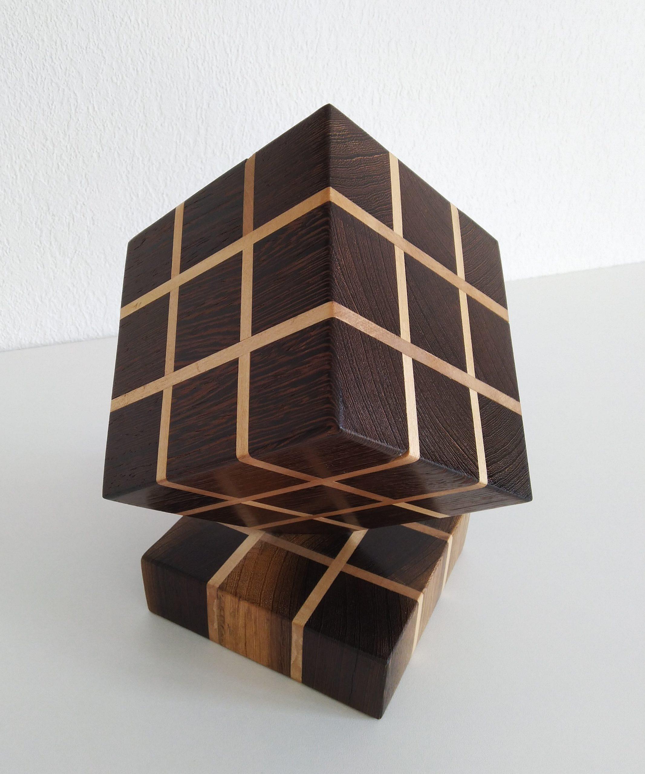 Cube sur sommet